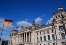 Der Reichstag ist das Parlamentsgebäude der Bundesrepublik Deutschland.