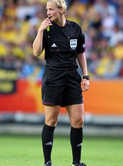 Schiedsrichterin Bibiana Steinhaus pfeift das Frauen-WM-Finale