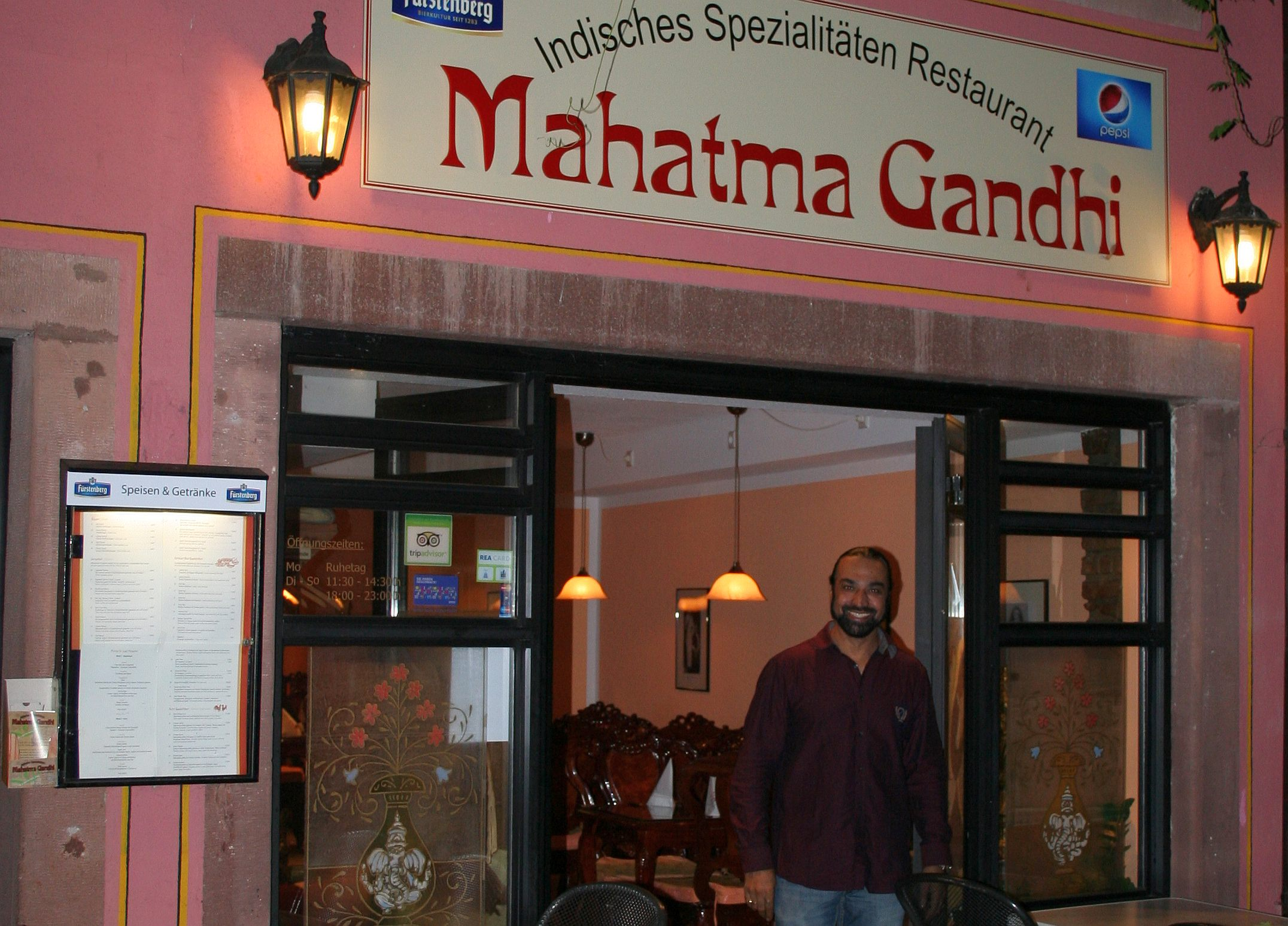 mahlzeit bei mahatma gandhi im breisgau das indische restaurant von tscharanjid matta singh in. Black Bedroom Furniture Sets. Home Design Ideas