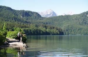 Angelvergnügen am Alpsee. © Foto: Rainer Hamberger