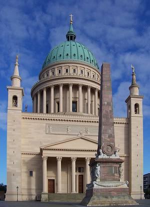 Die Potsdamer Nikolaikirche im September 2010. © Foto: Karstenknuth / Wikimedia