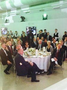 Willy Wimmer (Bildmitte) am Tisch mit dem Präsidenten der Russischen Föderation, Wladimir Putin, und Vier-Sterne-General a.D. Flynn (links neben Putin) 2015 in Moskau. © Press Kremlin