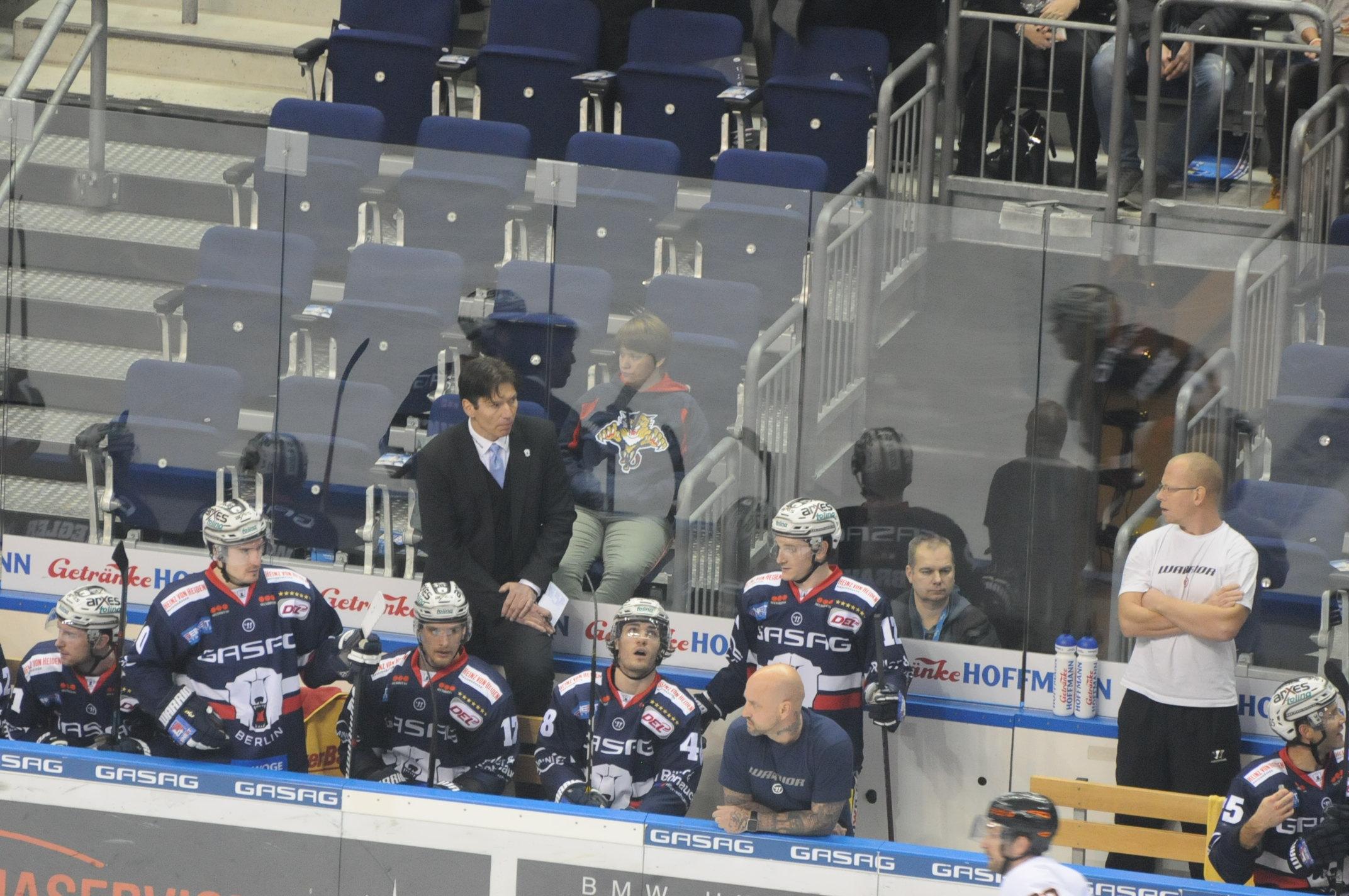 Eishockey: Berliner Eisbären treffen im Halbfinale der DEL auf Ice ...