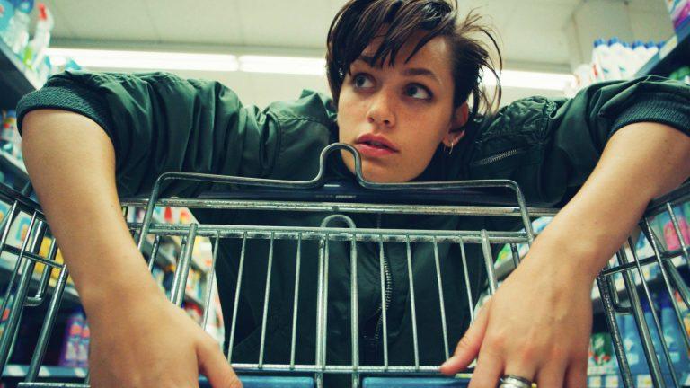 """Berlinale – """"Tiger Girl"""" wirkt wie ein brutaler Actionfilm, bei dem der Anspruch nicht zu kurz kommt"""