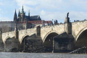Karlsbrücke mit Blick auf den Veitsdom. © 2017, Foto: Dr. Bernd Kregel