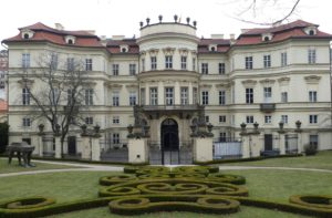 Genscher-Balkon des Palais Lobkowitz. © 2017, Foto: Dr. Bernd Kregel