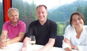 Wein und weite Aussicht beim 4. Gondel-Dinner in der Panoramabahn. © 2013, Münzenberg Medien, Foto: Stefan Pribnow