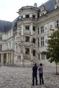 Wendeltreppe im Schlosshof von Blois. © 2011, Foto: Dr. Bernd Kregel
