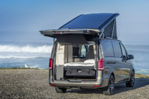 Der neue Marco Polo – 250 BlueTEC, Exterieur, indiumgrau metallic, EASY UP Aufstelldach, EASY PACK Heckklappe. © Daimler