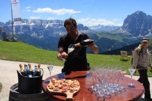 Speis und Trank und Aussicht auf Val Gardena, eine Wanderwelt in den Dolomiten. © 2015, Foto: Eva-Maria Becker