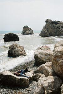 Aphrodite-Felsen an der Südküste Zyperns. © 2017, BU und Foto: Dr. Bernd Kregel