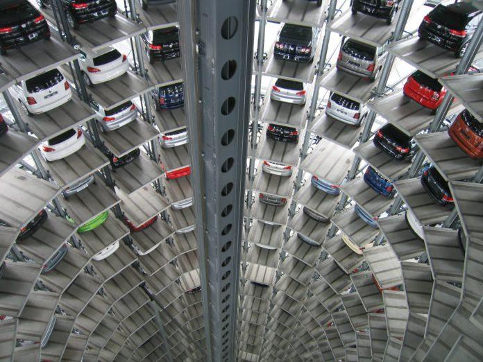 Autos ohne Ende.