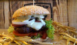 Bombastisch: Ein Mozzarella-Burger. BU: Stefan Pribnow, Bild: © Burgerie, Dennis Milow