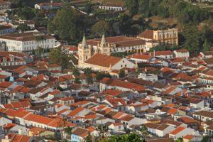 Blick vom Monte Brasil auf Angra mit der Kathedrale. © 2016, Foto/BU: Thilo Scheu
