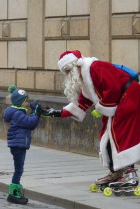 Weihnachtliches Dresden in Sachsen.