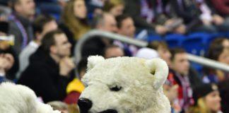 Eisbären Berlin versus Krefeld Pinguine.