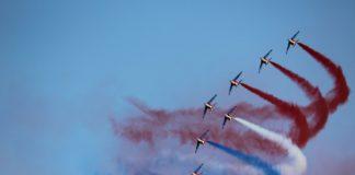 Die Farben Frankreichs am Himmel.