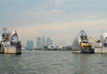 Blick über die Themse auf London.