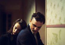 """Paula Beer und Franz Rogowski im Film """"Transit"""" von Christian Petzold."""