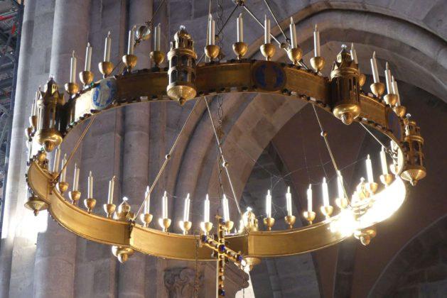 Metallleuchter im Bamberger Dom.