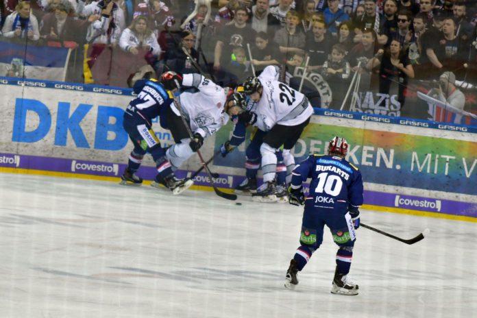 Berliner Eisbären gegen Nürnberger Ice Tigers.