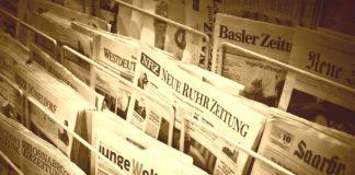 Zeitungen - Nachrichten und Informationen auf Papier an einem Kiosk.
