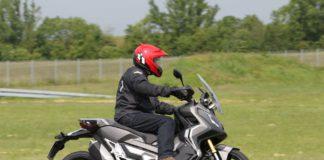 Die Honda X-ADV am 17. Mai 2018 am Erlensee.