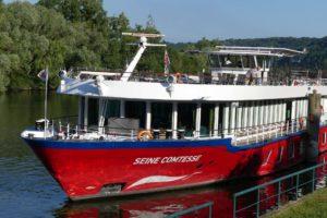 Flusskreuzfahrt auf der Seine in Frankreich.