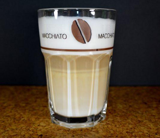 Latte Macchiato (kurz: Latte).