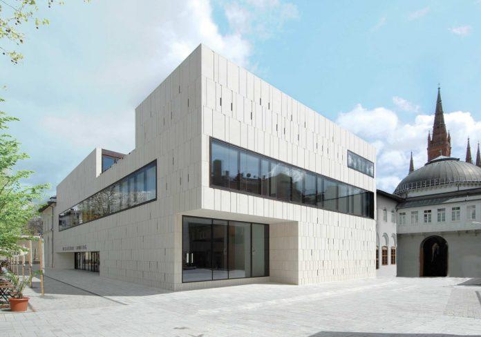 In diesem Gebäude sitzt das Parlament von Hessen.