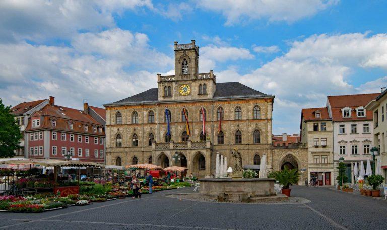 Landfriedensbruch in Thüringen? – Übergriffe von Ausländern auf Frau und Freund in Weimar
