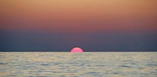 Sonnenuntergang am Mittelmeer.