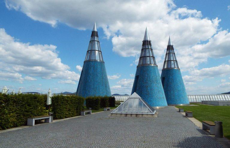 Verklärung statt Aufklärung durch Lohnarbeiter der Kunst- und Ausstellungshalle der Bundesrepublik Deutschland in Bonn?