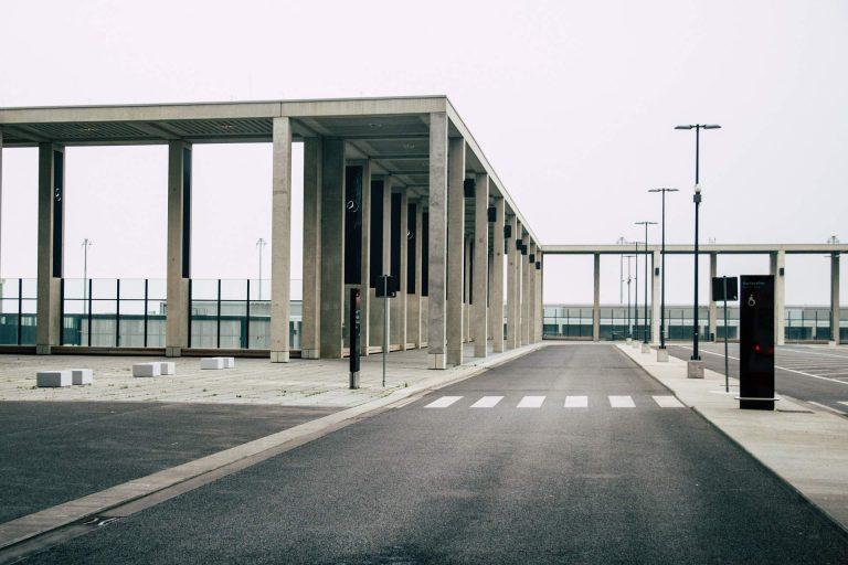 Scheitern in Merkel-Deutschland! – Über 7 Milliarden Euro für völlig verplanten Willy-Brandt-Flughafen auf dem Schönefeld