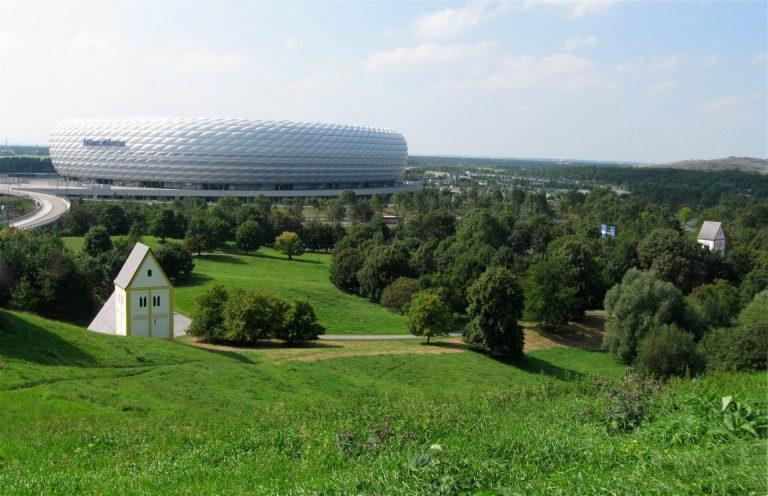 Bayern München besiegt Tottenham Hotspur am Fröttmaninger (Müll-)Berg